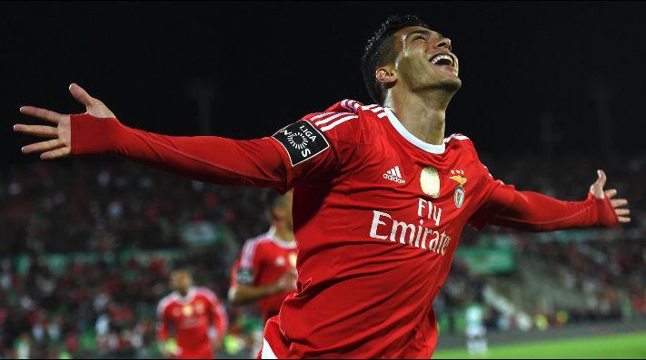En Portugal investigan un triunfo de Jiménez con Benfica — Olor a amaño