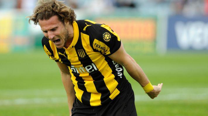 Diego Forlán sale del retiro para volver a jugar