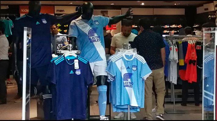 9d799222f6eb3f Las nuevas camisetas de Emelec para el 2018 | BolaVip