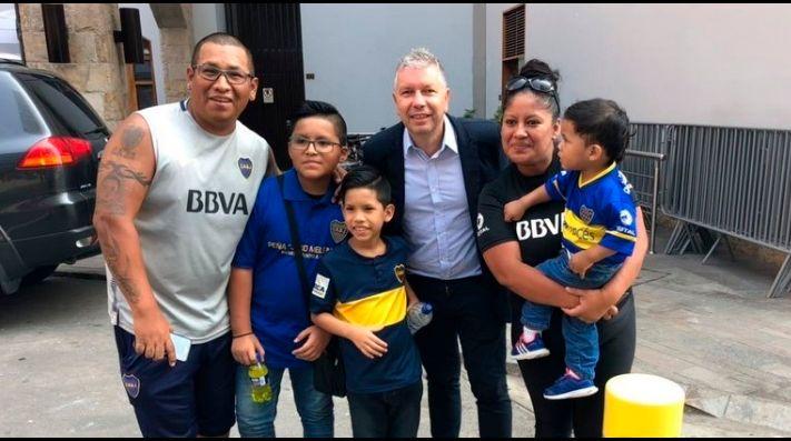 Lo que hizo Carlos Tevez con su primer gran sueldo