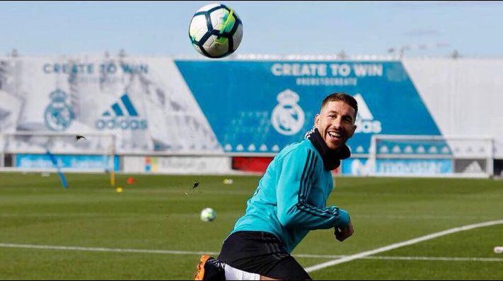 Sergio Ramos abandonó la cancha para ir al baño — Insólito video