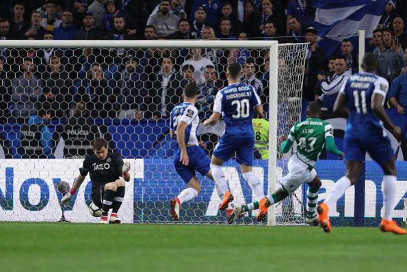 La felicitación del Madrid a Casillas por su partido 1.000