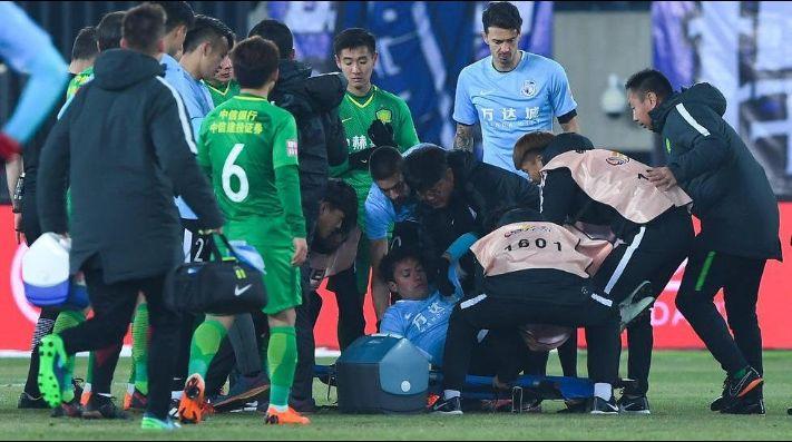 Exjugador de la selección se desmayó durante un partido en China