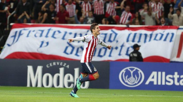 Cota se vistió de héroe y Chivas es finalista en Concachampions