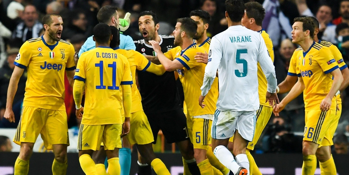 ENLOQUECIDO. Gianluigi Buffon protesta durante el penal contra Real Madrid (Foto: Getty).