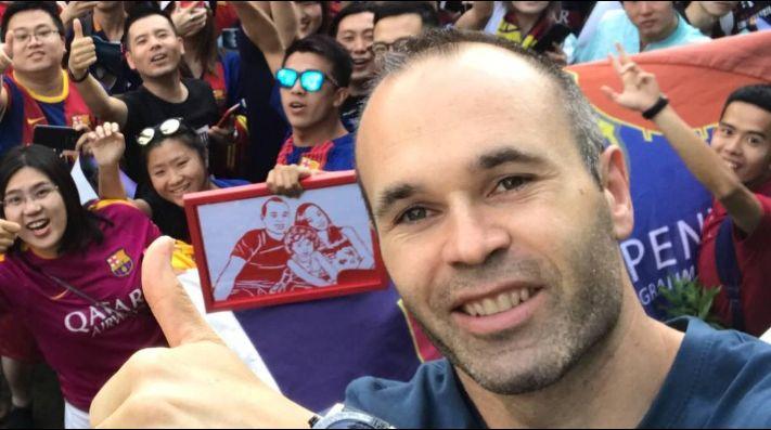 Andrés Iniesta fue confirmado por el presidente del club Chongqinq