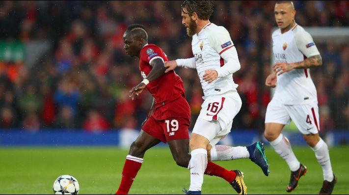 Champions League: Hincha de Liverpool golpeado por aficionados de la Roma