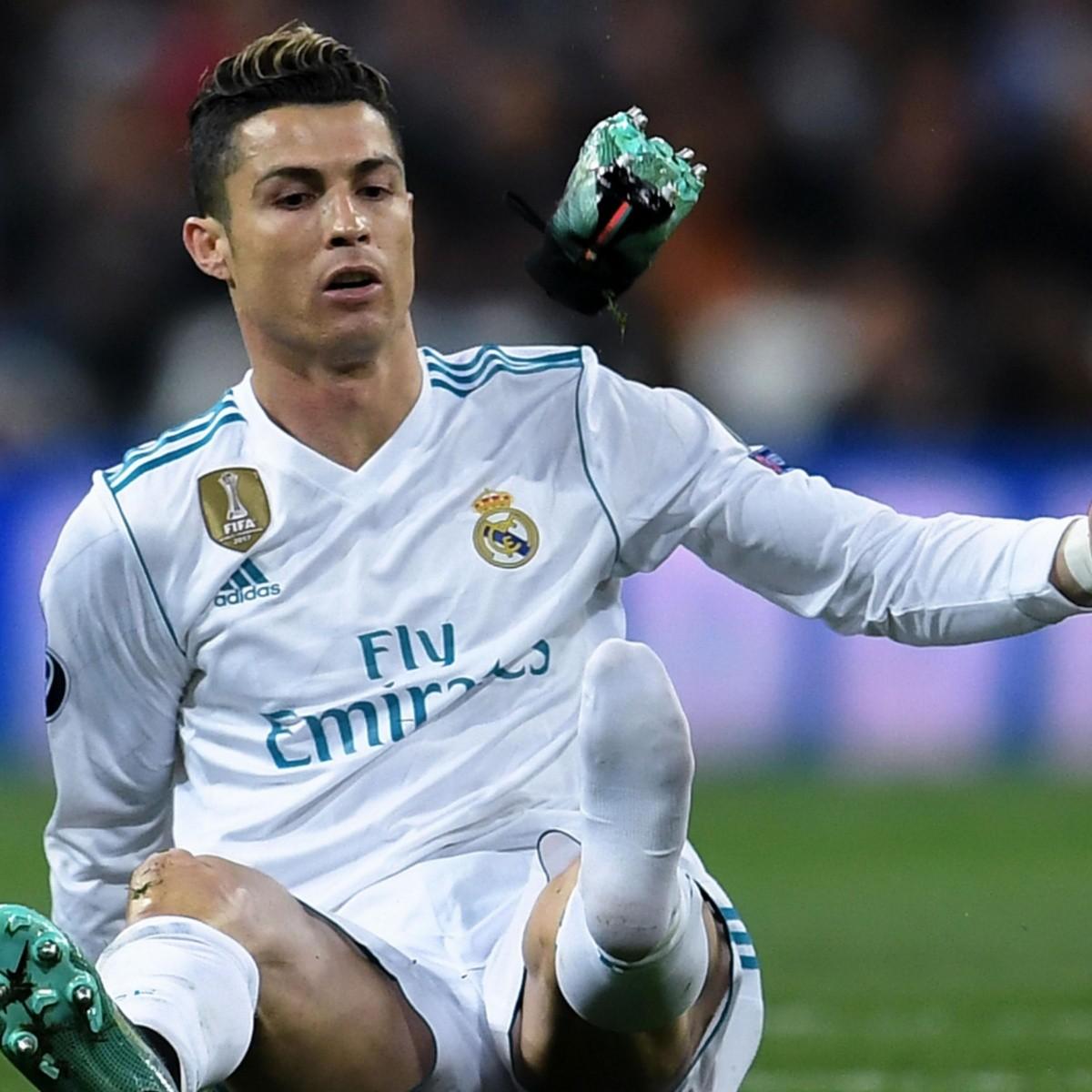 178a0ca8bc516 Cristiano Ronaldo presentó sus botines perfectos