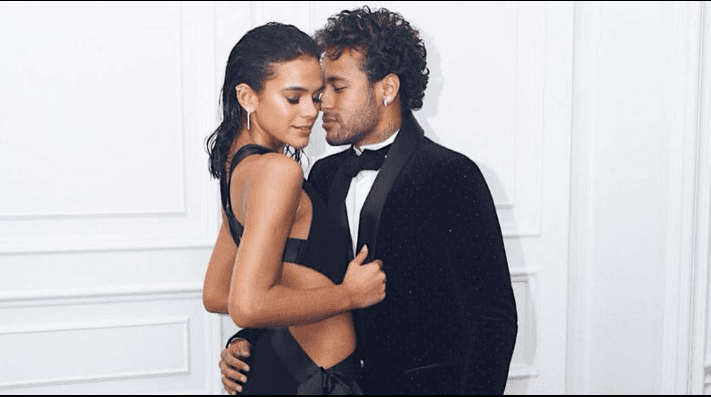 Neymar y Bruna Marquezine en un video muy candente.