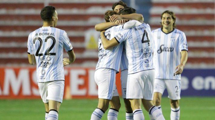 Atlético Tucumán va por la clasificación