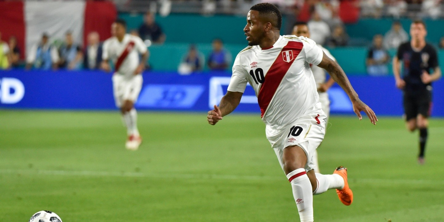 Jefferson Farfán recibió elogios de Guus Hiddink. (Foto: Getty)