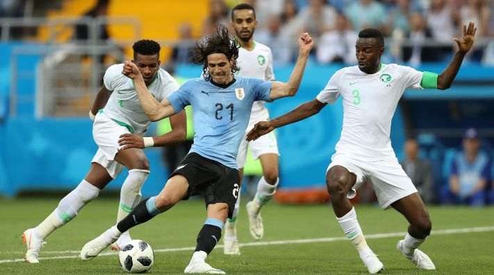 Deportes: Uruguay goleó a Rusia y se quedó con el primer puesto