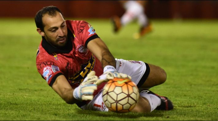 Fútbol: Lanús sufrió, pero avanzó por penales en la Copa Argentina