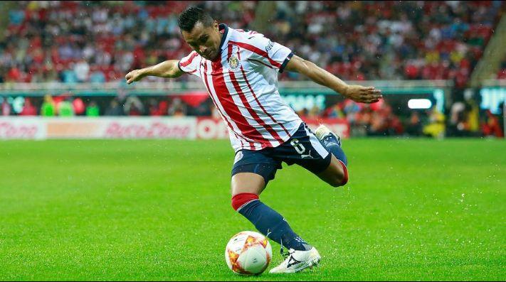 Toluca Y Chivas Empatan A Dos Goles En Candente Partido