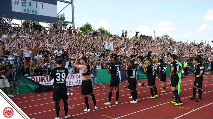 Salcedo y Eintracht, eliminados en primera ronda de la Pokal