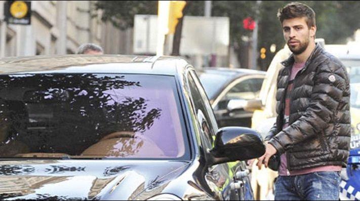 Piqué, denunciado por conducir sin puntos en el carnet