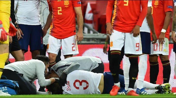 El durísimo golpe que sacó a Shaw en camilla del Inglaterra-España