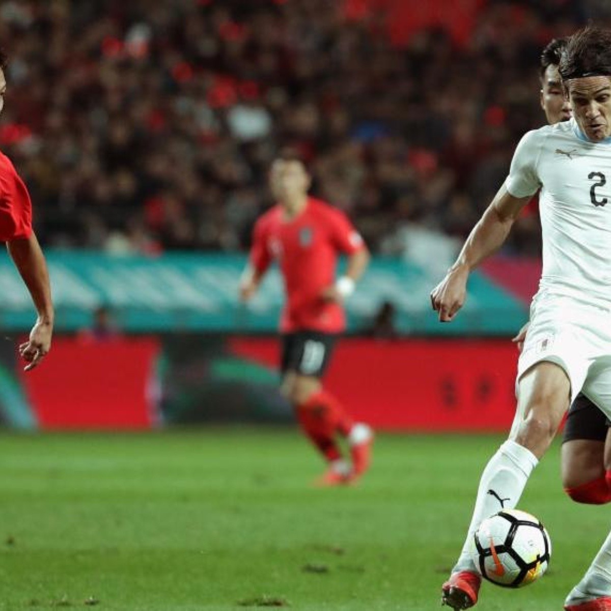 Cavani jugó para Corea y el Maestro Tabárez empezó su nuevo ciclo con una  derrota 7301ab31fd0cc