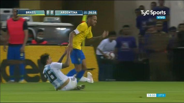 Argentina aguantó hasta que Brasil acertó en el final