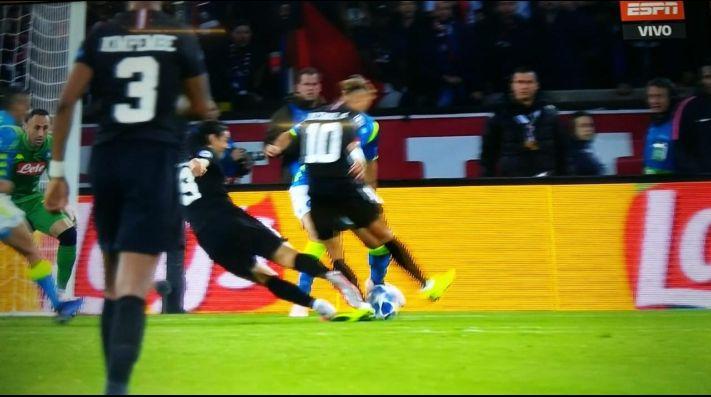 Golazo de Di María evita derrota del PSG ante Napoli