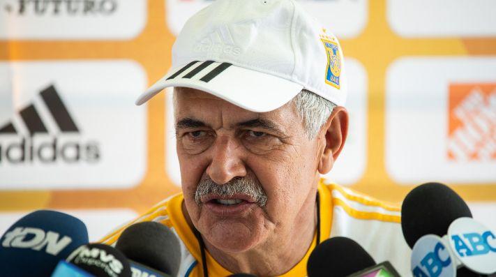 Presidente de Tigres minimizó el entrevero de Eduardo Vargas con