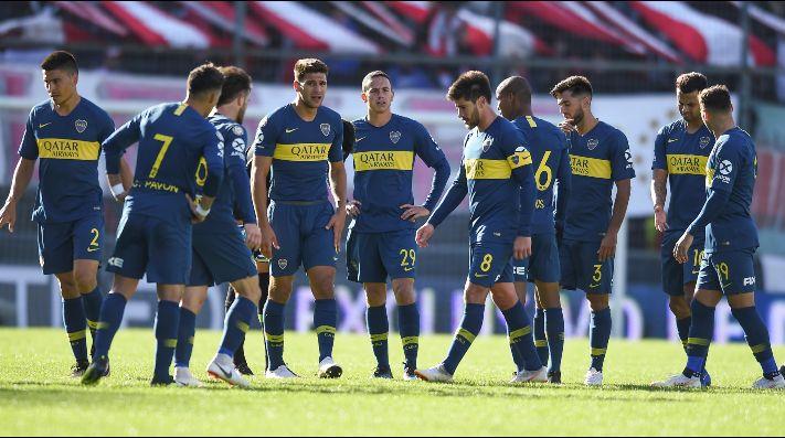 Afición de Boca Juniors pinta mensaje en estadio de River Plate