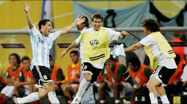 Maxi Rodríguez le anotó uno de los goles más dolorosos a México. fafefac96daa2
