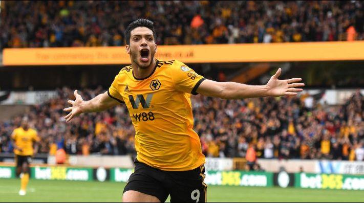 Leyenda del Wolverhampton elogia a Raúl Jiménez