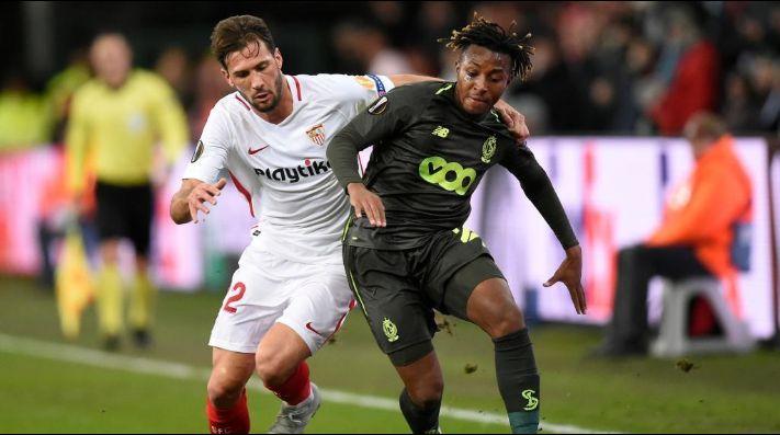 Ochoa y el Standard se mantienen con vida en la Europa League