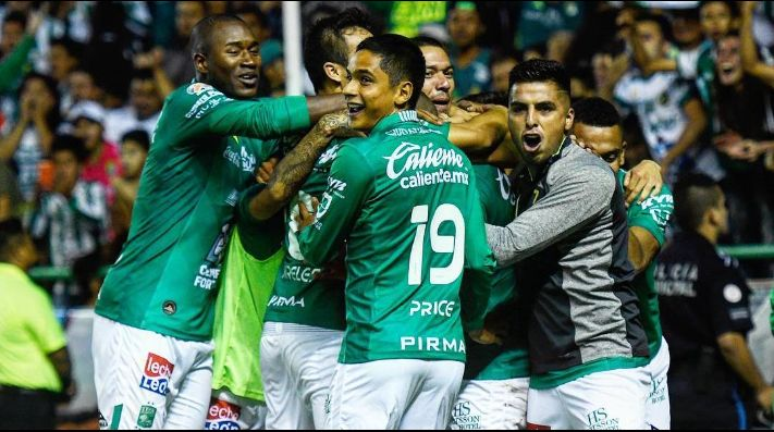 León se refuerza con los chilenos Dilan Zúñiga e Iván Ochoa