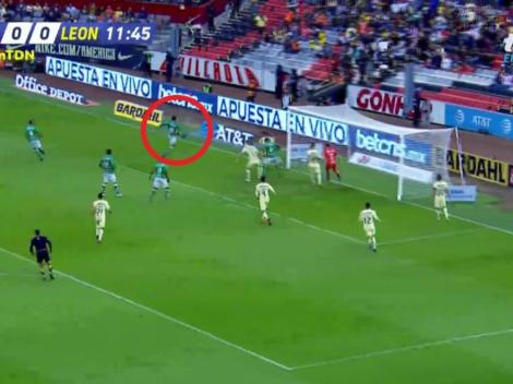 Macías recibió muy solo en el área y anotó el primer tanto del León