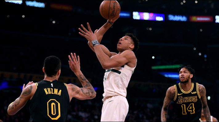 Kyle Kuzma, Giannis Antetokounmpo y Brandon Ingram. (Foto: Getty)