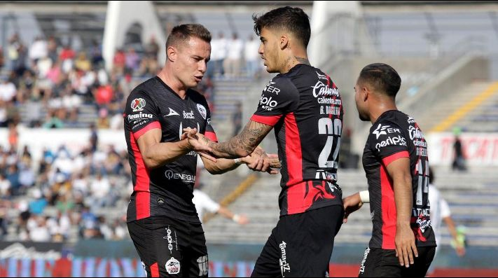 Lobos BUAP festejó como local.