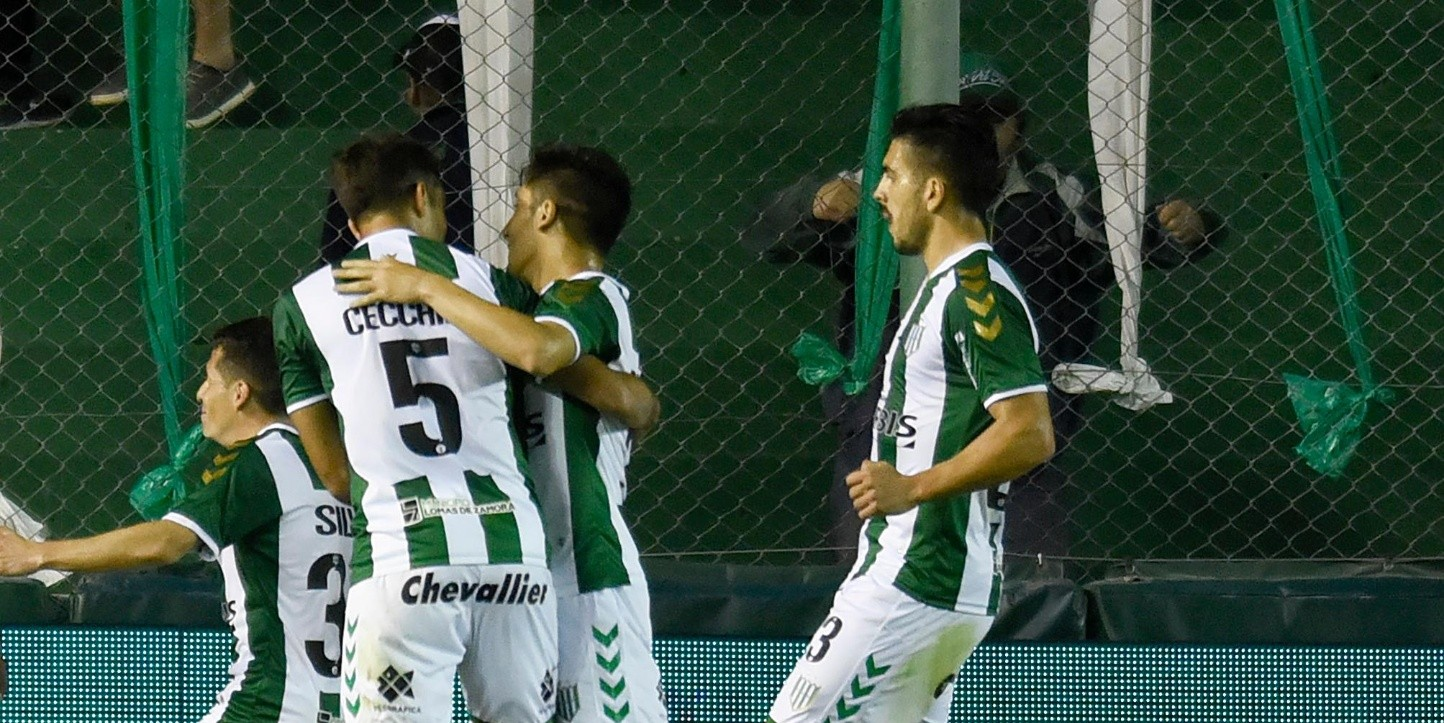 Banfield vs Atlético Tucumán por la Superliga.