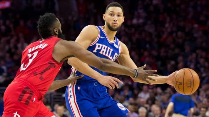James Harden y Ben Simmons (Foto: Getty)