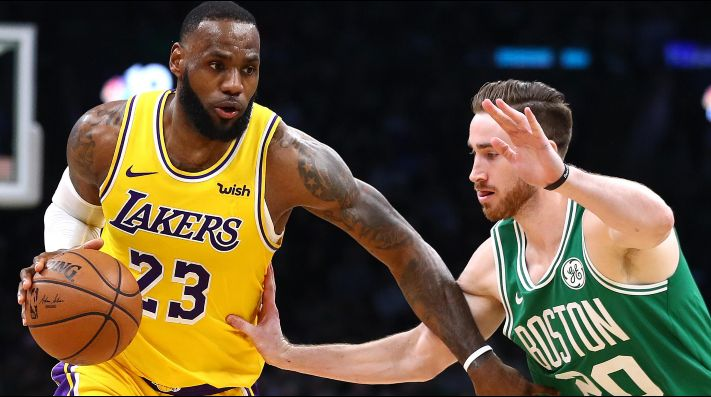 LeBron James vs Gordon Hayward (Foto: Getty)