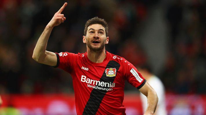 Lucas Alario en Bayer Leverkusen.
