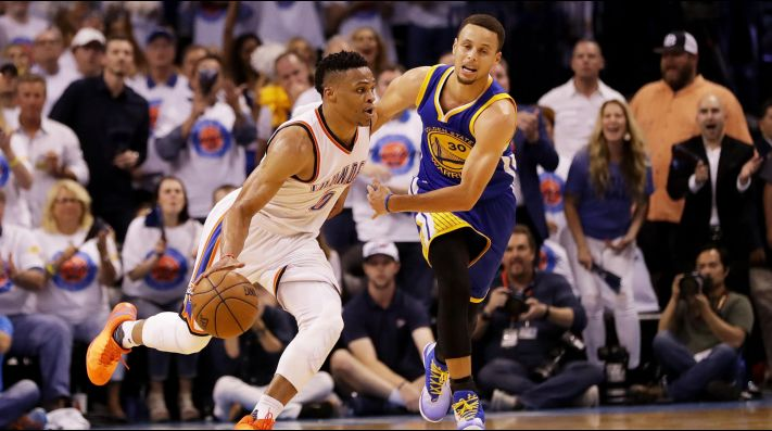 Russell Westbrook y Stephen Curry (Foto: Getty)