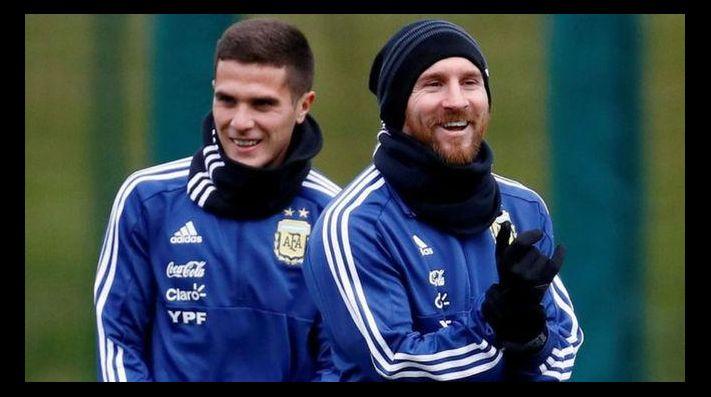 Bustos junto a Messi en la Selección Argentina.