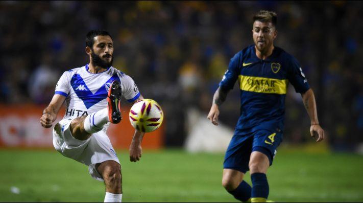Matías Vargas enfrentando a Boca.
