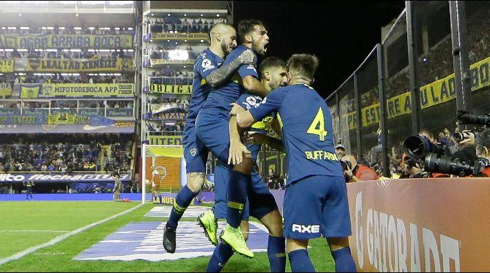 Todo Boca festejó el gol de López.