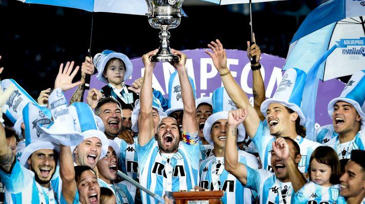 Ya llegó a Argentina el que será el primer refuerzo del Racing campeón de la Superliga