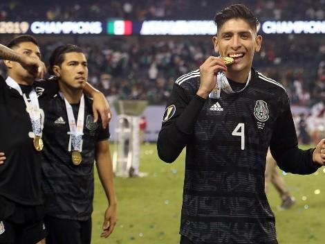 La foto de Edson Álvarez con la Copa Oro