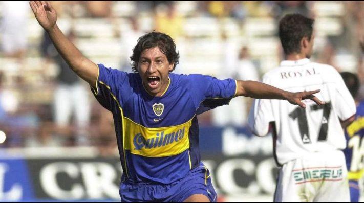 Bermúdez festejando un gol con la camiseta de Boca.