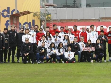 Todos somos Perú: medallistas panamericanos visitaron a la Selección Peruana en su nueva práctica