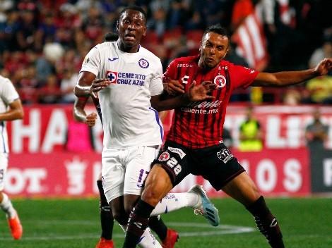 Bryan Angulo prefiere entrenar con Cruz Azul y es baja en Ecuador