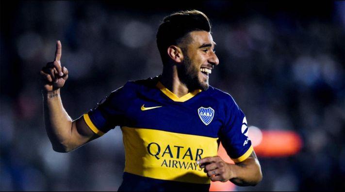 Eduardo Salvio festejando uno de sus goles en Boca.
