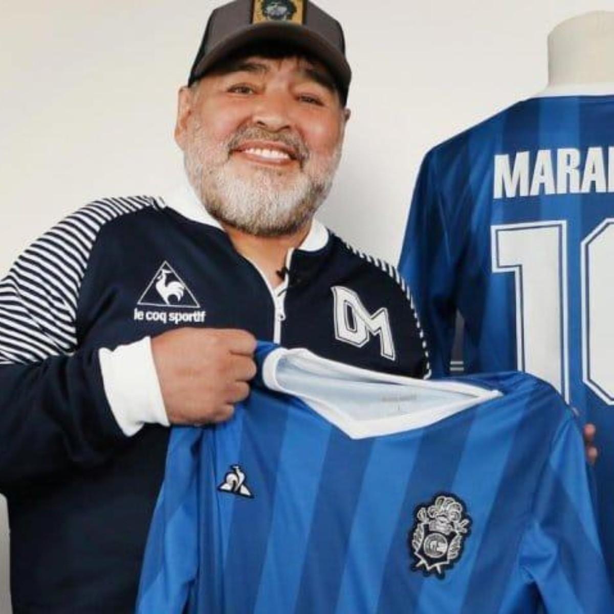 Todos la van a querer: la nueva camiseta de Gimnasia en homenaje a Maradona  | Bolavip