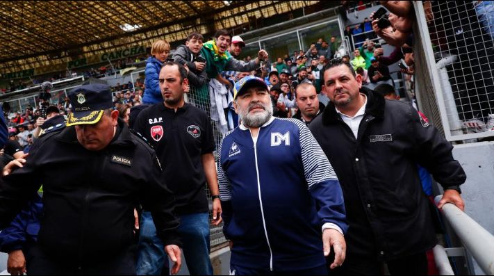 TyC Sports: Maradona presentó la renuncia en Gimnasia