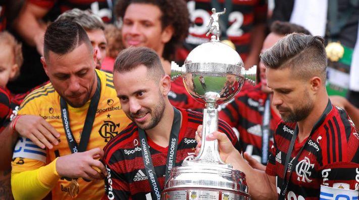CAMPEÓN. Los referentes de Flamengo con la Copa Libertadores (Foto: Getty).
